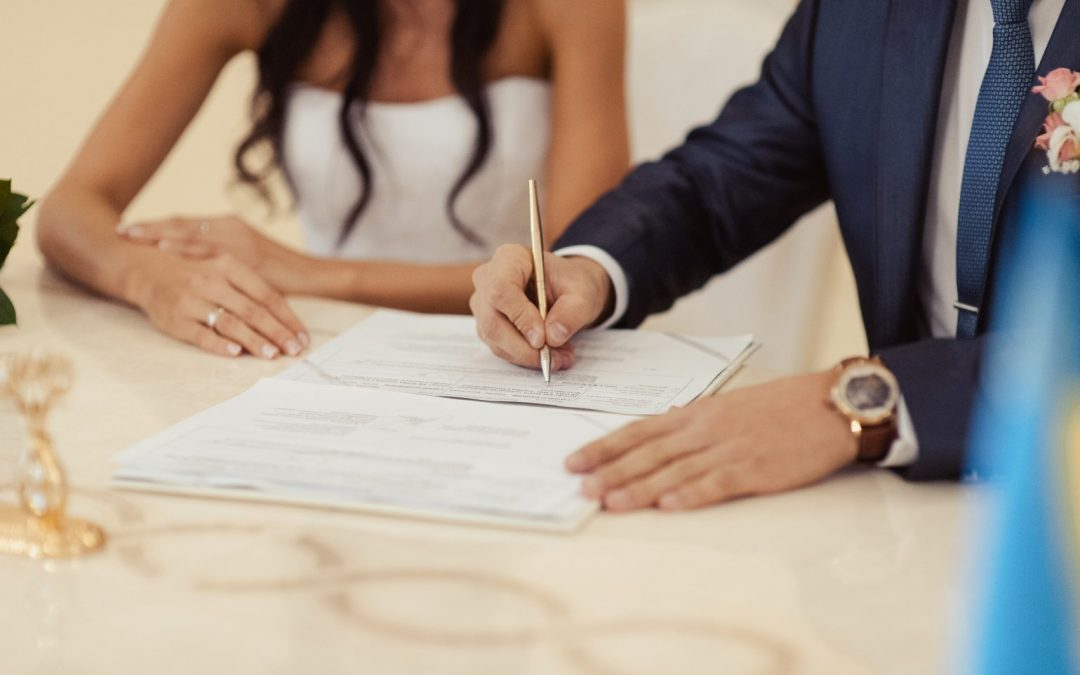 Permisos por matrimonio o pareja de hecho: ¿Tienen los mismos derechos?