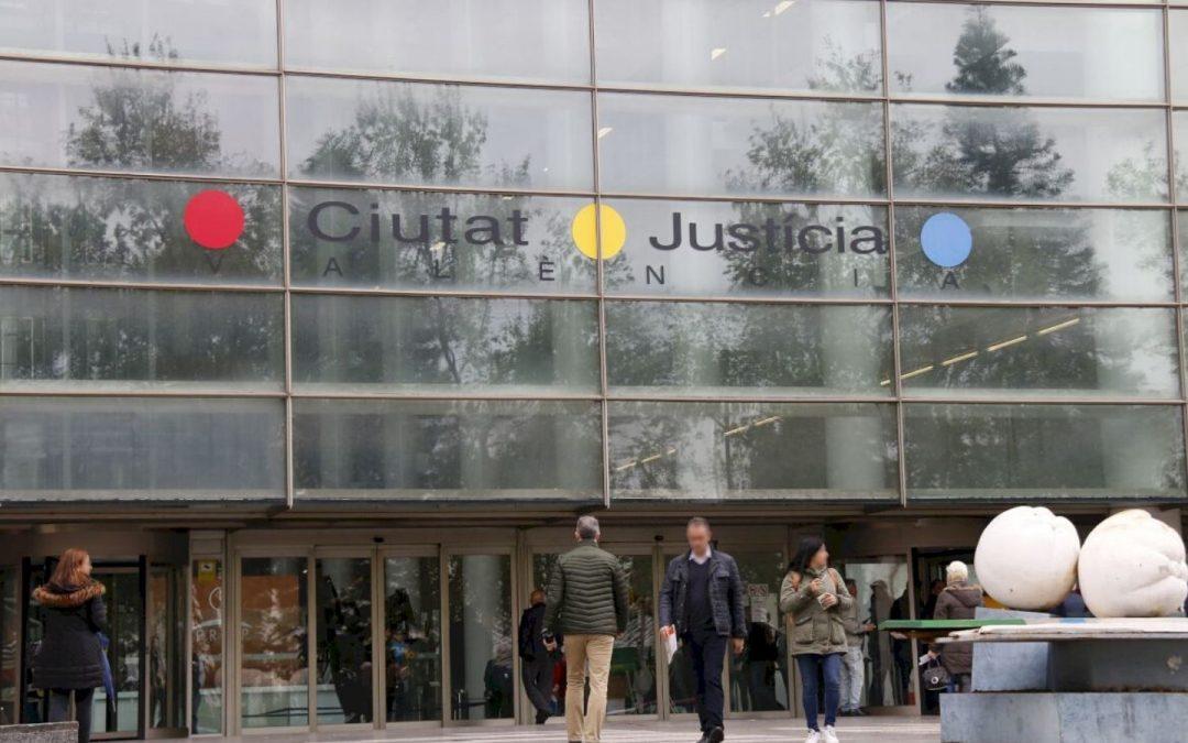 Condenan a la Generalitat a pagar las guardias a una funcionaria que estaba de baja laboral